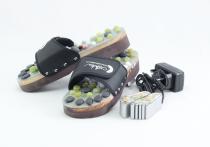 Vyhřívané masážní pantofle s přírodními kameny, černé, CatMotion